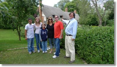 PW with the ME family from Florida at Anne Hathaway's Cottage